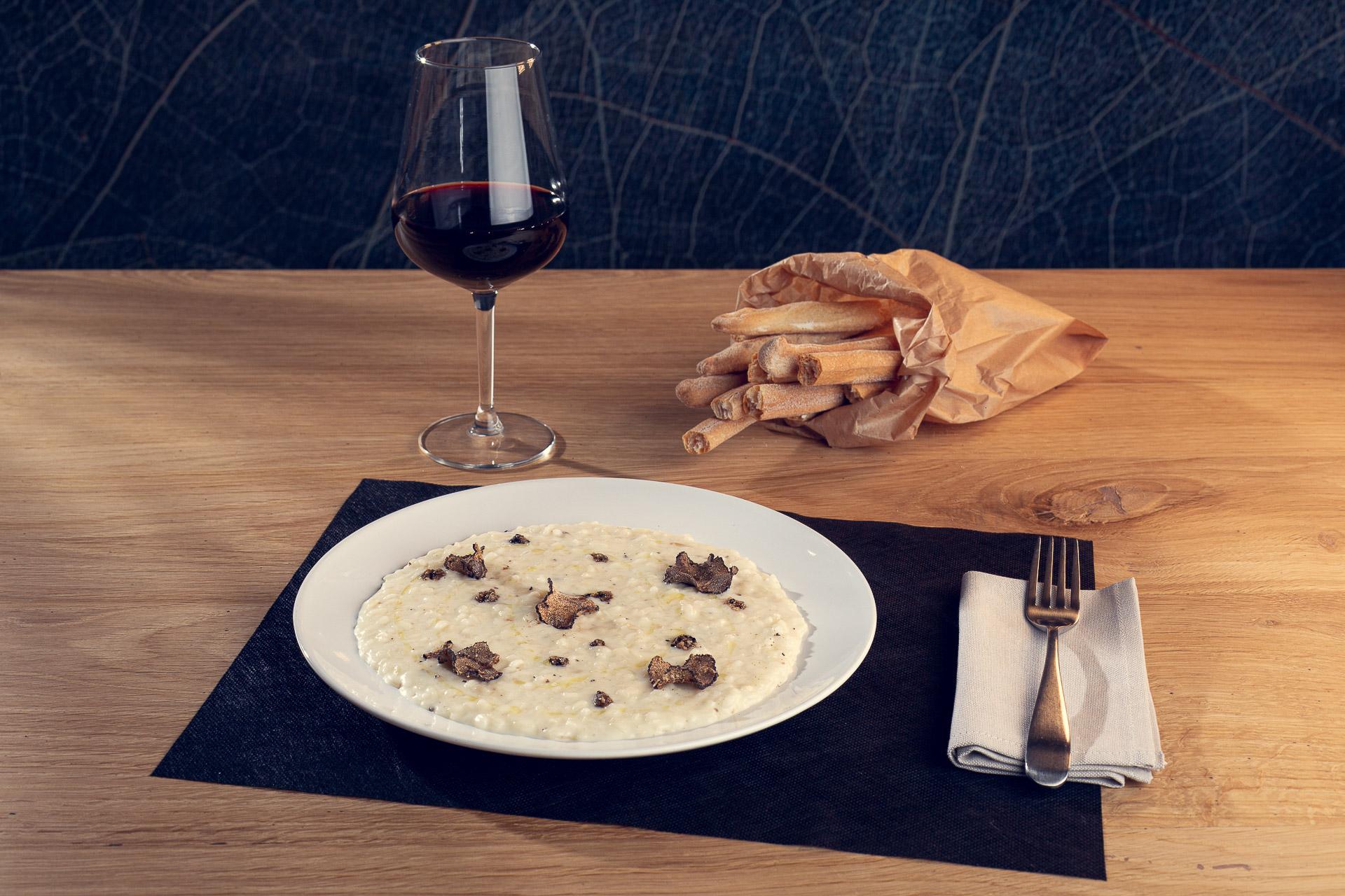Risotto mantecato alla Toma Scalenghe e tartufo nero